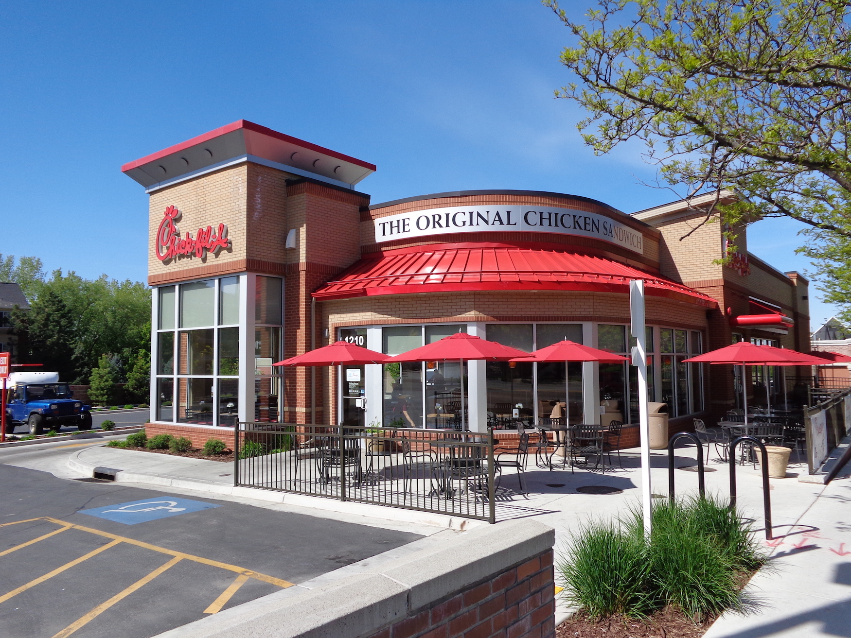 Case Study: Chick-fil-A Revamps Customer Messaging to Deliver Personalized Content with Help of MessageGears/BrightWave